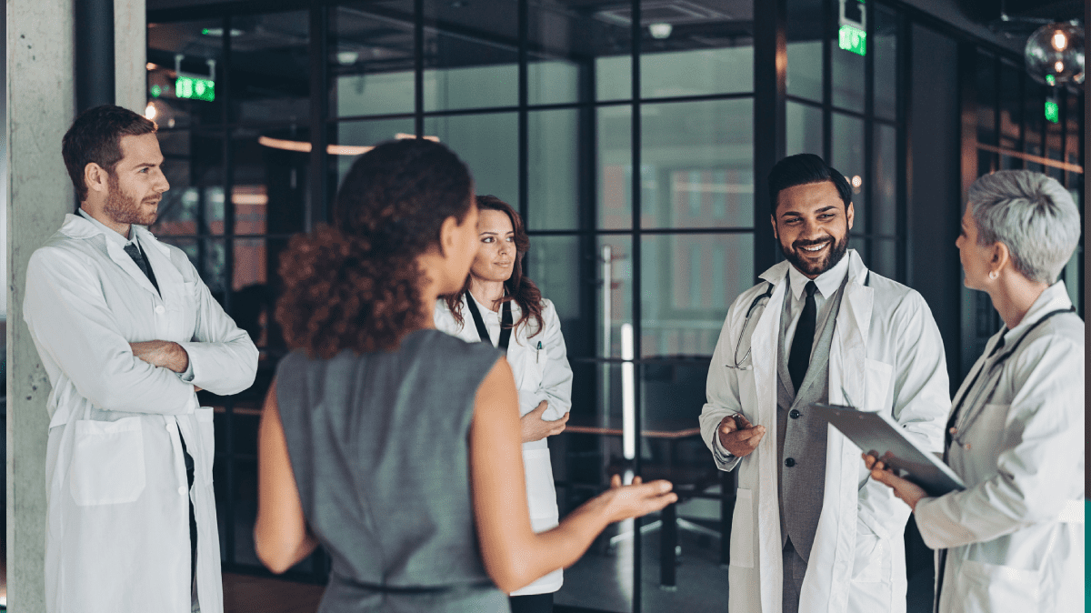Learn the 10 best practices to strengthen your hospital's negotiation strategies.