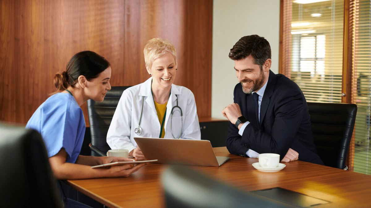 A hospital consulting strategy session